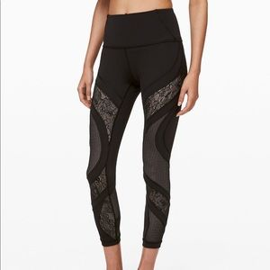 NWT Lululemon Wunder Under Tight Black Lace Size 4